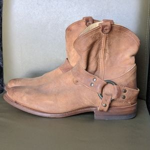 Frye Wyatt Harness Cowboy Short Boot Leather 9b